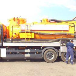 Odvoz odpadních vod - sací bagr